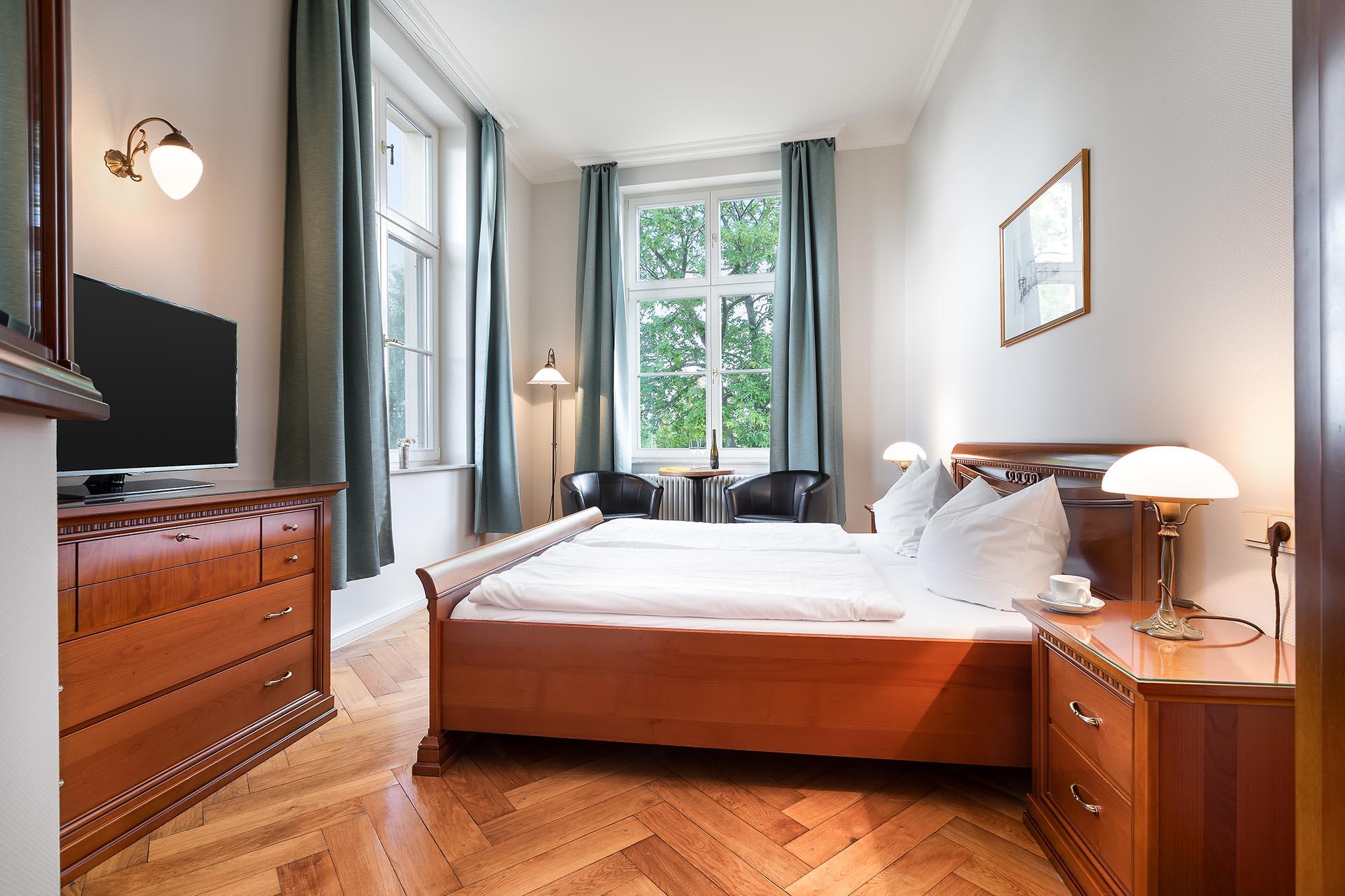 Hotelzimmer-Seeblick-Hotel-Werder-Insel-Brandenburg-Potsdam