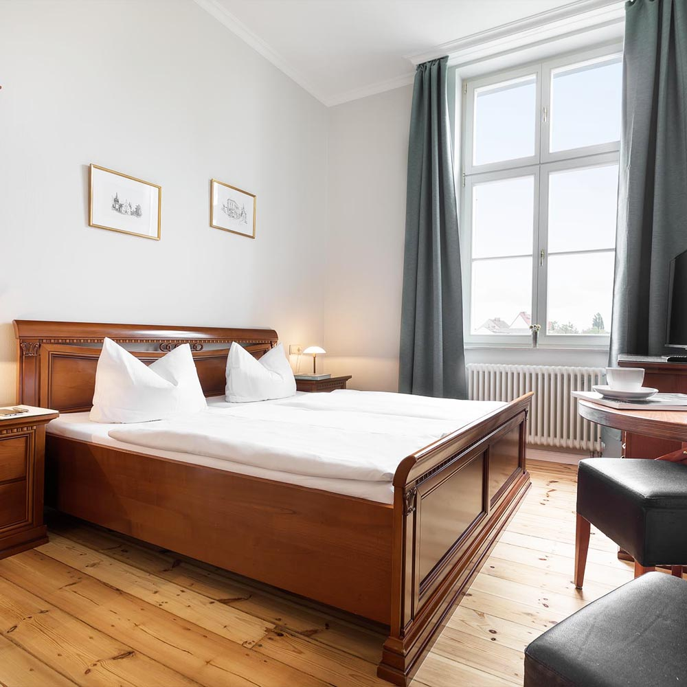 Zimmer-Hotel-am-See-Werder-an-der-Havel-Prinz-Heinrich